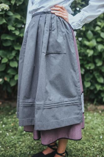 Delantal lorzas - gris